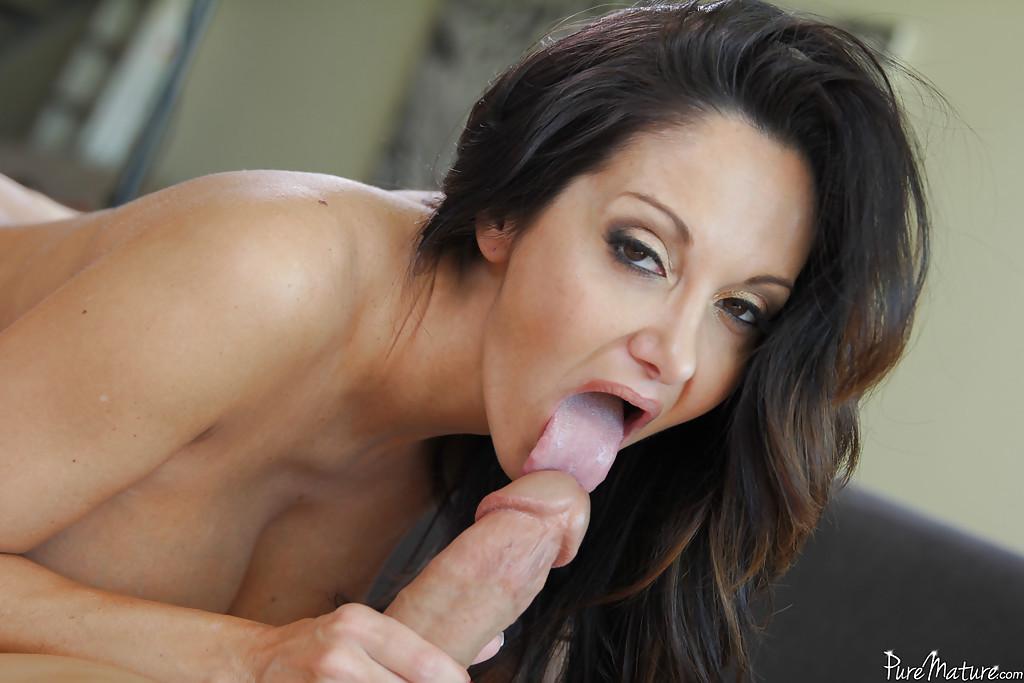 Mature Latina Bbc Blowjob